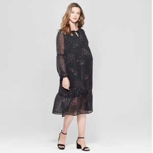 NWT Ingrid and Isabel Star Maternity Flounce Dress